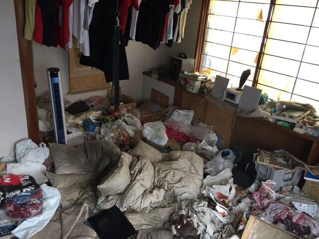 ゴミ屋敷が引き起こす様々な問題